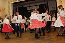 Na hopsáckém plese se představily všechny složky hornoněmčanského folklorního souboru.