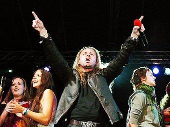 Pepa Vojtek (na snímku) nevystupoval s mladými zpěváky uherskohradišťského Svatého Pluku poprvé.