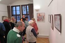 Letošní ročník vánoční výstavy v zámecké galerii Uherského Ostrohu nabídl obrazy zimního města.