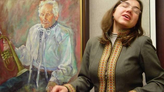 Duší cimbálové muziky Danaj je zpěvačka a cimbalistka Magdalena Múčková.