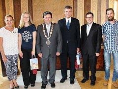 Na ZŠ UNESCO v Uherském Hradišti zavítali členové České komise pro UNESCO.