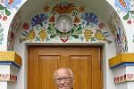 František Hamada u Slovácké búdy v Uherském Hradišti při oslavě 90.narozenin.