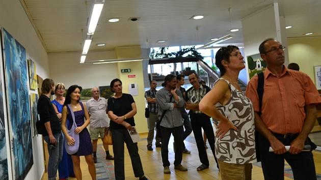 V hradišťské Galerii V. Hrocha se v pátek přesně v 17.17 uskutečnila vernisáž děl účastníků Hradišťského plenéru 2012.