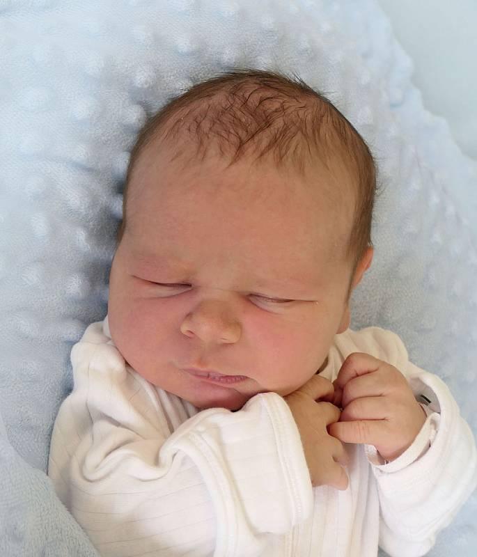 David Buchta, Bílovice, narozen 5. května 2021 v Uherském Hradišti, míra 49 cm, váha 3320 g