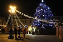 Vánoční výzdoba Uherského Hradiště. Masarykovo náměstí.