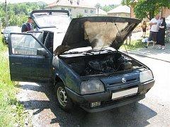 Požár osobního auta u Boršic
