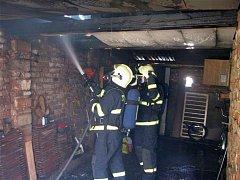 Požár garáže ve Starém Mětsě