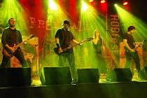 O další atrakci se v pátek 19. dubna rozrostlo Muzeum pálenic ve Vlčnově. Návštěvníci tam mohou aktuálně Více než dvě stovky příznivců tvrdé muziky zamířily v sobotu 20. dubna večer do kulturního domu v Dolním Němčí na třetí ročník rockového minifestivalu