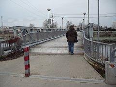 Trasa mezi Uherským Hradištěm a Starým Městem, kterou denně využívají stovky lidí, je dočasně zprovozněna.