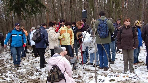 Místo, kde stával zámeček Pepčín, je místem silvestrovského setkání turistů. Ilustrační foto.