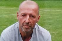 Čtyřiapadesátiletý fotbalista Popovic Marek Prajza strávil celou kariéru v jediném klubu.