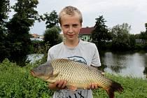 Padesát pět dětí ve věku do 15 let se zúčastnilo v sobotu od 7 do 13 hodin rybářských závodů v Kostelanech nad Moravou.
