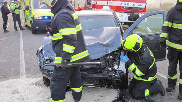 Nehoda u Veletin se smrtelným zraněním.