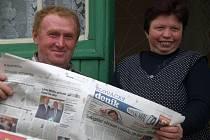 Manželé Maškovi z Gerniku si se zájmem přečetli Slovácký deník.