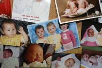 Zlínská klinika má vystavené snímky dětí, které se díky její pomoci narodily. Nebýt asistované reprodukce, nikdy by na svět nepřišly.