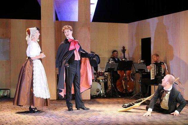 Hra Fidlovačka ve Slováckém divadle v Uherském Hradišti.