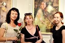 Nejen obrazy – takový je název výstavy devatenáct členů Sdružení výtvarných umělců moravsko-slovenského pomezí (SVUMPS)v Galerii Panský dům v Uherském Brodě.