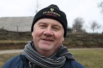 Archeolog Luděk Galuška při natáčení filmu o Cyrilu a Metodějovi.