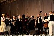VBuchlovicích se uskutečnil 8. vánoční koncert snázvem Česko-slovenské vánoce, pořádaný Děcky zBuchlovic a dětským souborem Turiec ze slovenského Martina.