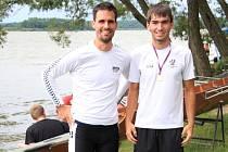 Michal Plocek (vpravo) se v Třeboni potkal i se slavným odchovancem hradišťského veslování a stříbrným medailistou z olympiády v Aténách 2004 Jakubem Hanákem.