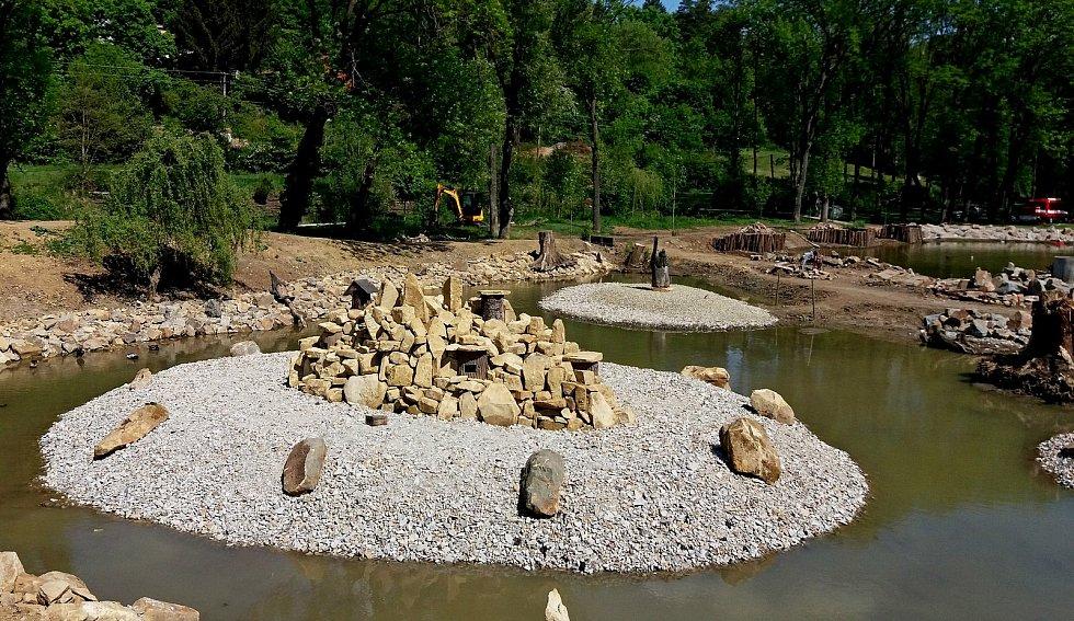 Proměna rybníku na Smraďavce před Leopoldovem