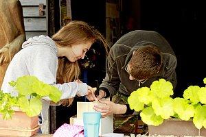 Devět desítek malých včelaříků ze Slovácka a Zlínska se zúčastnilo setkání pod Buchlovem.