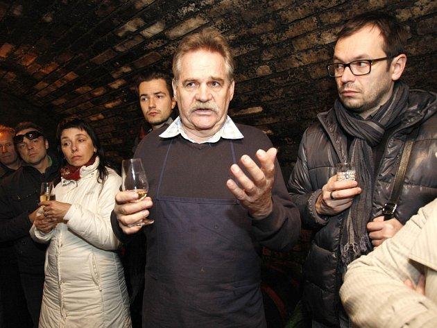 Josef Holcman (uprostřed). Ilustrační foto.