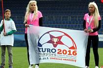 Mistrovství Evropy ve fotbale starostů v Uherském Hradišti. Slavnostní zahájení.