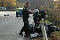 Tragická nehoda motorkářského páru v Buchlovských horách