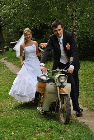 Soutěžní svatební pár 93 - Hana a David Dvorníkovi, Prusinovice.