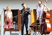 Hvězdy world music - Jitka Šuranská trio.