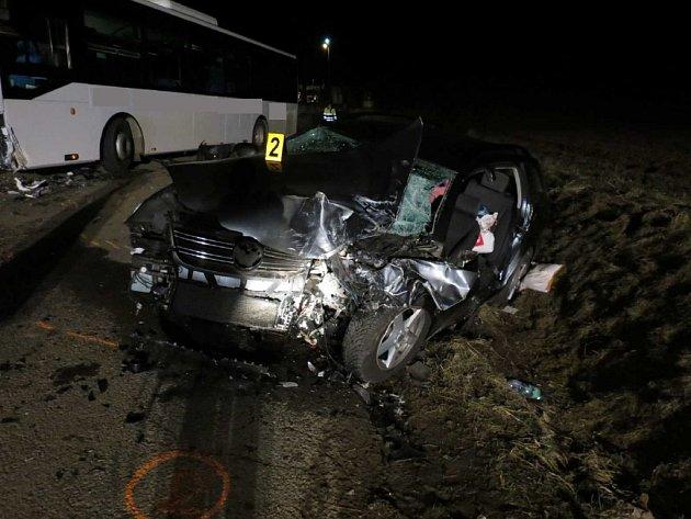 Dopravní nehoda u Uherského Brodu si ve čtvrtek 19. března vyžádala jeden lidský život.