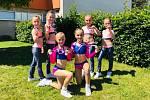 ZLATÝ TÝM. Skupina mladých hradišťských aerobiček vybojovala v Mladé Boleslavi zlaté medaile.