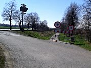Cyklostezka v Ostrožské Nové Vsi, u Sirnatých lázní, je uzavřena.