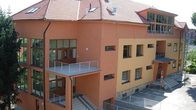 Radnice v Hradčovicích dostala po rekonstrukci zbrusu novou podobu.