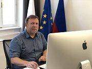 ON-LINE rozhovor s kandidátem do senátu Michalem Filipem.