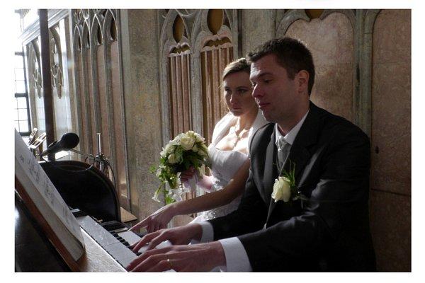 Soutěžní svatební pár číslo 108 - Stanislav a Marie Domanští, Kroměříž.