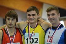 Zdeněk Stromšík s Markem Bakalárem a Vojtěchem Netymachem (zleva) aneb nejrychlejší trio z hladké šedesátky.