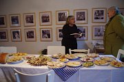 Muzeum v Bystřici pod Lopeníkem otevřelo dveře zájemcům i o fašankové sobotě. Nabídlo nejen ukázku draní peří, výstavu fotografií a kreseb Libora Velana, ale také bohatý výběr skvělých místní domácích pochutin.