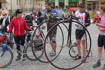 """Oblíbené a již tradiční akce """"Na kole vinohrady"""" se zúčastnilo na 400 cyklistů."""