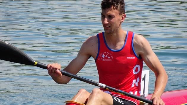 Nejstarším medailistou novoveského týmu byl kajakář Michal Pjajčík.