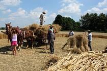 Z iniciativy Františka Černého se v sobotu uskutečnil v Kunovicích první ročník kunovického mlácení.