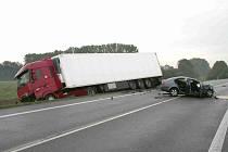 Život jednačtyřicetiletého muže vyhasl při tragické dopravní nehodě, která se stala v pátek 22. září v ranních hodinách na výjezdu ze Starého Města směrem na Huštěnovice.
