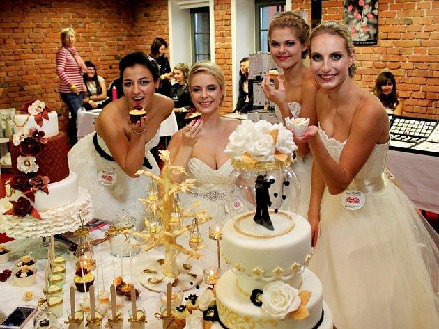Na svatebním a společenském veletrhu se návštěvníci rozhodně nenudili.