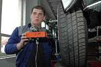 Budoucí automechanici si poměřili znalosti a dovednosti v Krajské soutěži odborných dovedností.