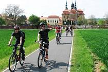 Po cyklistické stezce se kolaři i pěší dostanou až k velehradské bazilice.