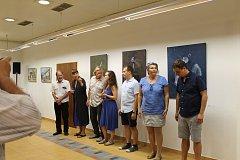 Hradišťský plenér vyvrcholil vernisáží obrazů malířů mezinárodního sympózia v hradišťské Galerii Vladimíra Hrocha.
