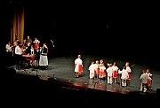 Třináct dětských folklorních souborů roztleskalo čtyři stovky diváků.
