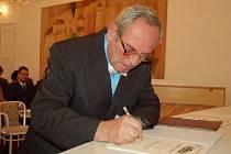 Josef Koller získal cenu města Uherský Brod za rok 2010.