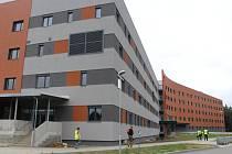Ředitel Uherskohradišťské nemocnice Petr Sládek představil prostory nově vznikajícího Centrálního objektu chirurgických oborů.